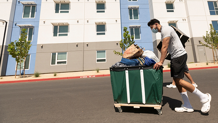 Students move in to The Green